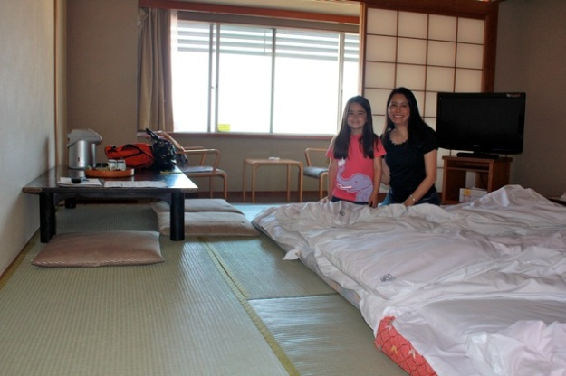 Our cool room for a night... sleeping the traditional way (on a tatame)!