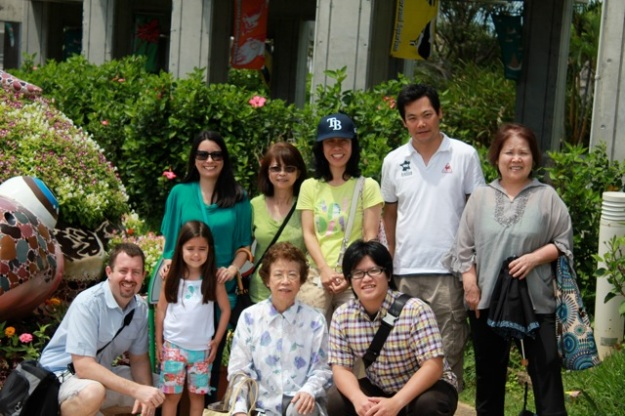My family enjoying an afternoon together at the beautiful aquarium.... — at Okinawa Churaumi Aquarium.
