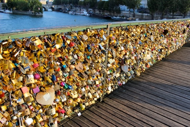 So breathtaking… thousands of love locks on one part of the Pont des Arts bridge.