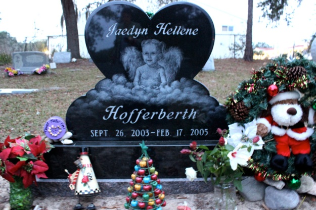 Jaedyn's beautiful gravesite where we placed her jar of travel rocks a few days ago.