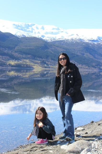 Mia and I in front of the breathtaking Vangsvatnet Lake.