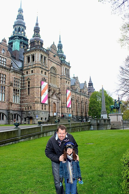 Mia and her daddy in front of the Nordic Museum.