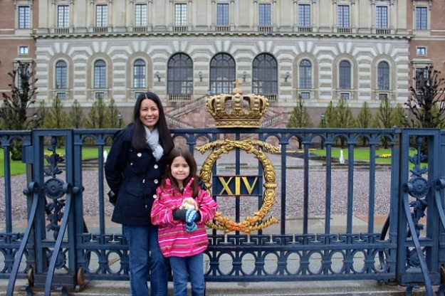 Mia and I in front of The Royal Palace (Stockholm Palace).