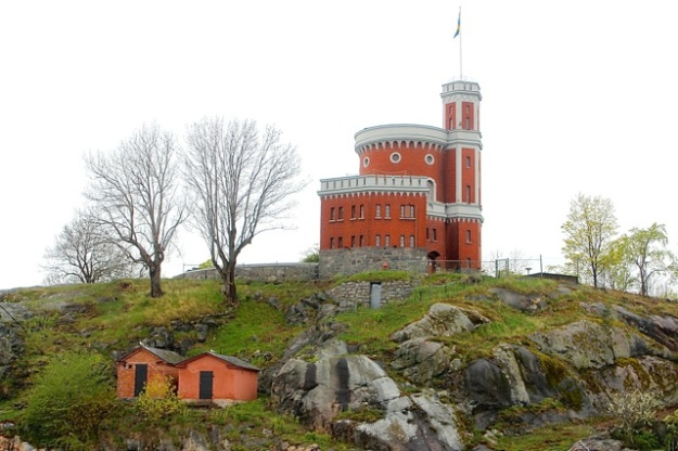 Kastellet is a small citadel. It is located on the islet Kastellholmen.