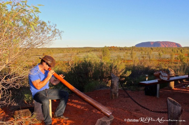 It was pretty amazing to hear the funky sounds coming from this didiv while looking at Ayers Rock in the background. What a unique experience it was for us!